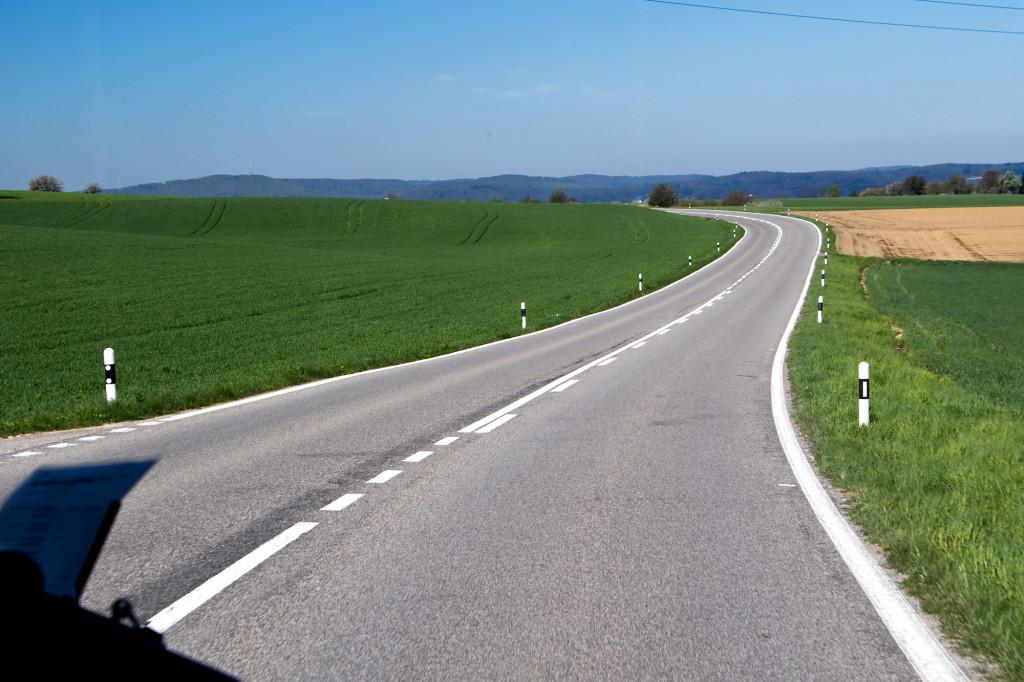 Auf offener Strasse in Richtung Möhlin