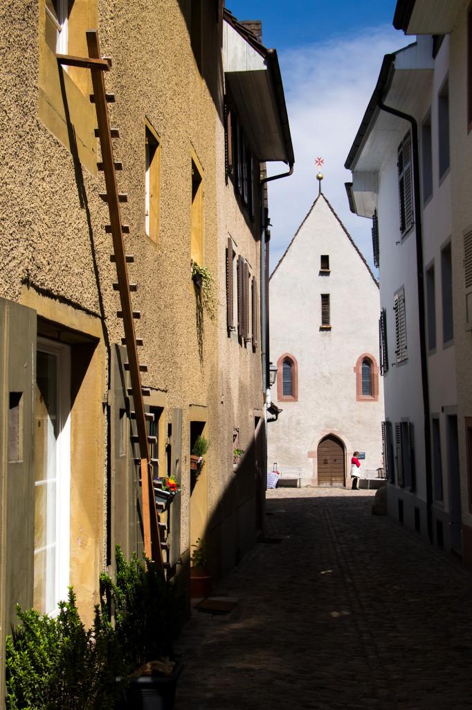 Blick durch die Johannitergasse auf die gleichnamige Kapelle, entstanden im 15. Jahrhundert