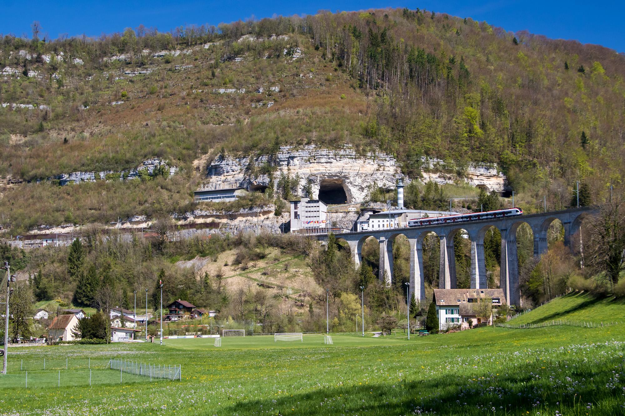 Die jursassische Topographie hat nicht nur mich herausgefordert: Bahnviadukt vor St. Ursanne