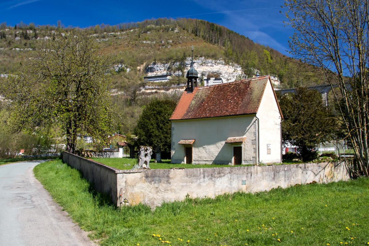 Die niedliche Chapelle Notre-dame de Lorette heisst mich in St. Ursanne willkommen