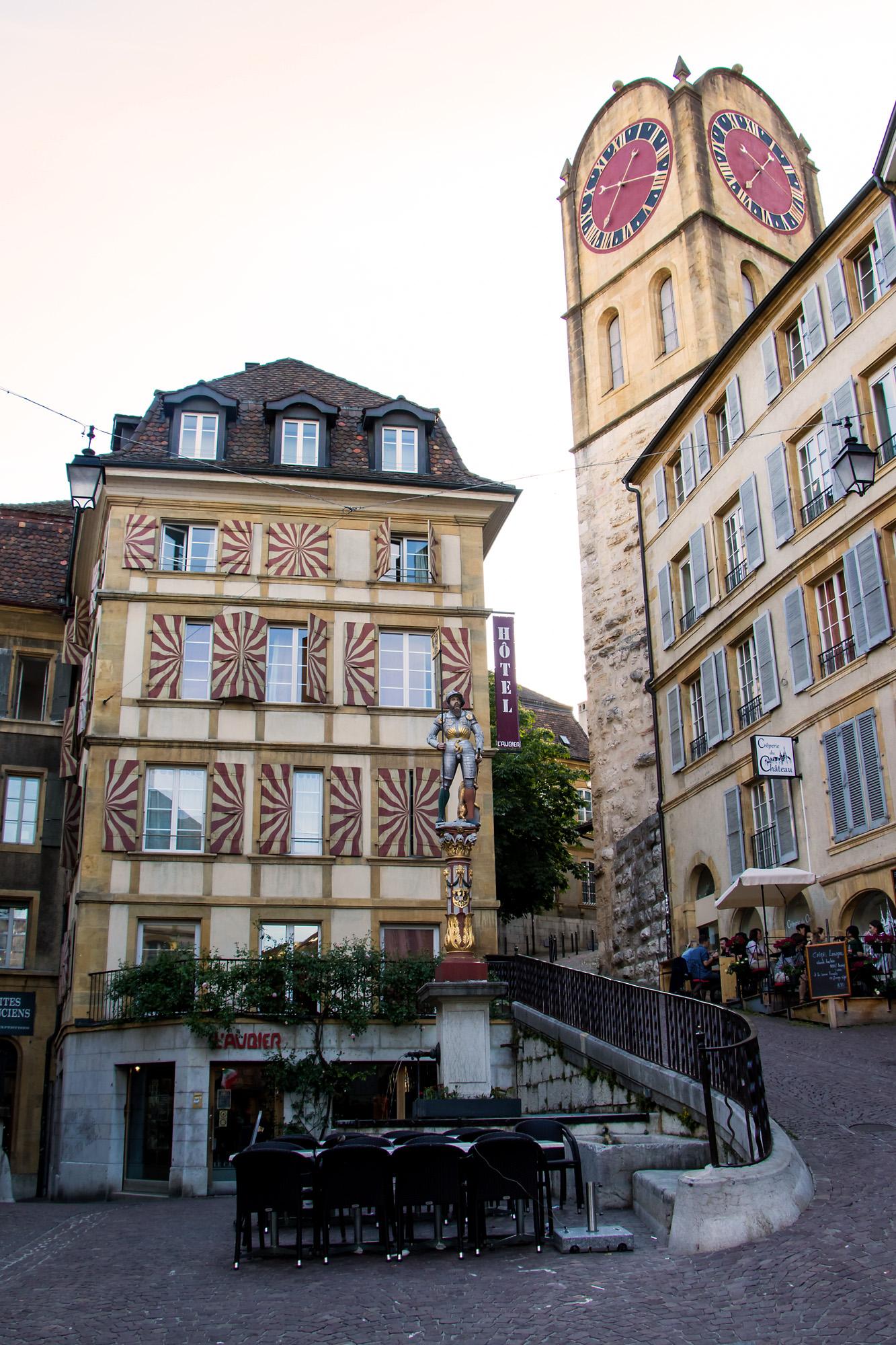 Bannerträger-Brunnen mit dem Tour de Diesse