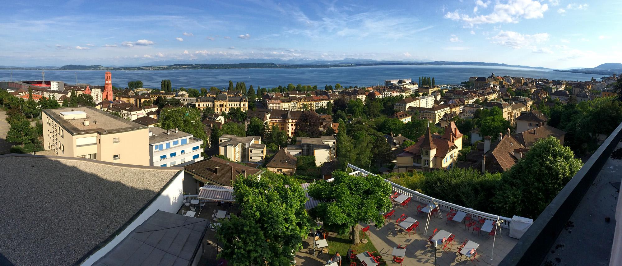 Prächtiger Blick von meinem Hotelzimmer über Neuchâtel