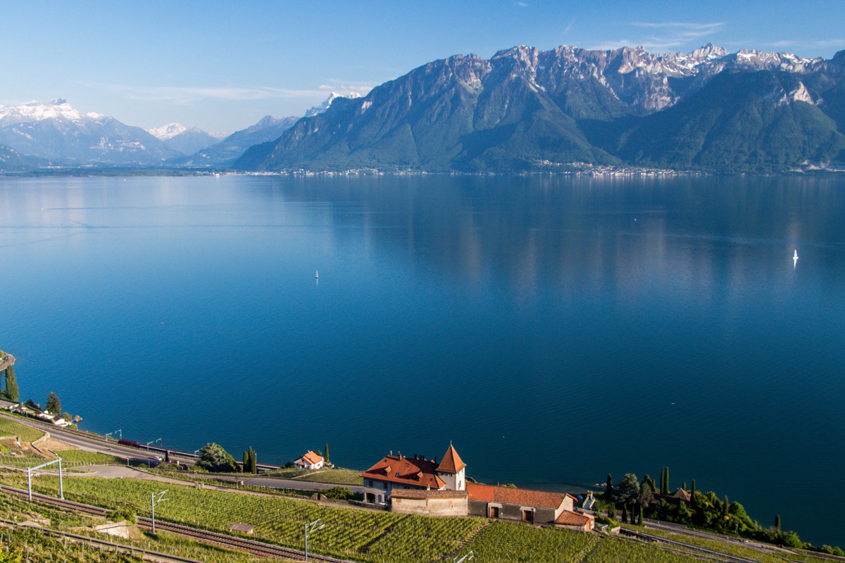 Aussicht auf die Chablais-Kette am französischen Ufer des Genfersees