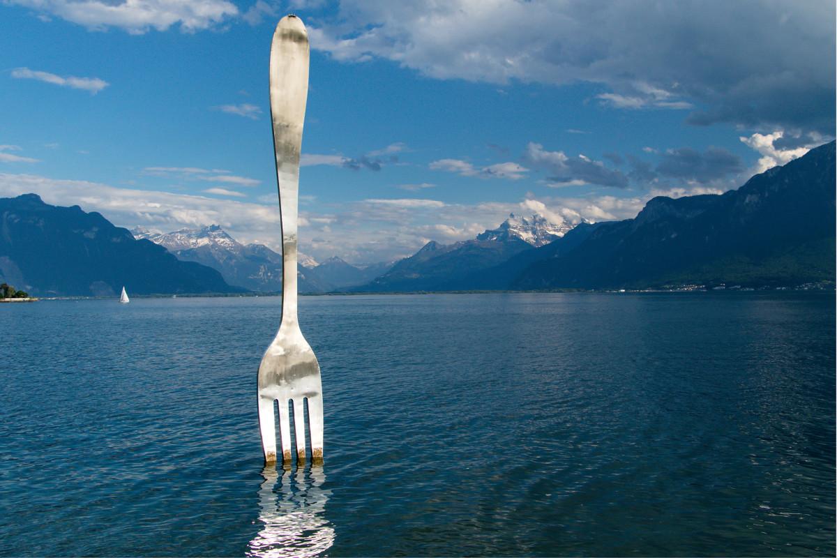 Kunst im See bei Vevey VD - Heimat des Nahrungsmittelkonzerns Nestlé