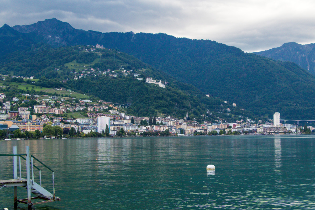 Montreux kommt in Sicht - heute hilft ihm selbst seine geschützte Lage nicht gegen das Gewitter :-)