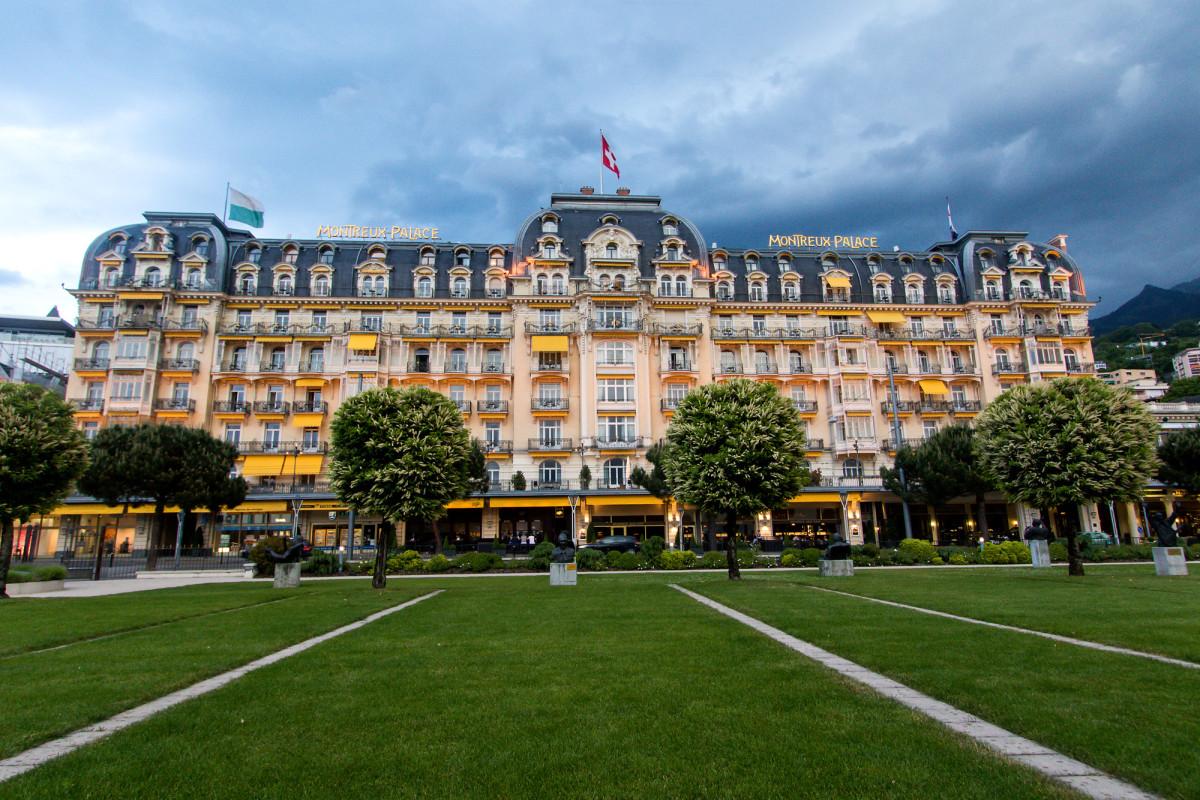 Das Montreux Palace - seit 1906 ist es das führende Haus am Platz, und hat etliche Stars sowie wichtige Konferenzen beherbergt