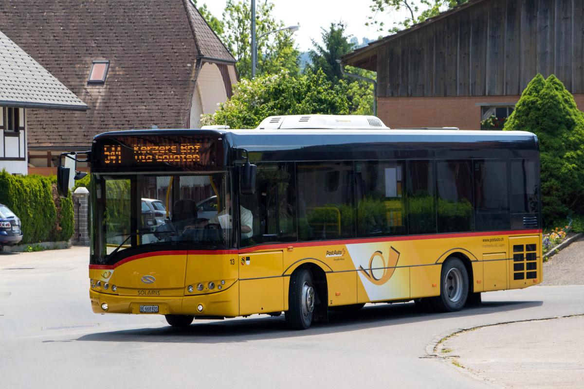 Mein Solaris-Midibus nach Kerzers kurvt in Wileroltigen herum