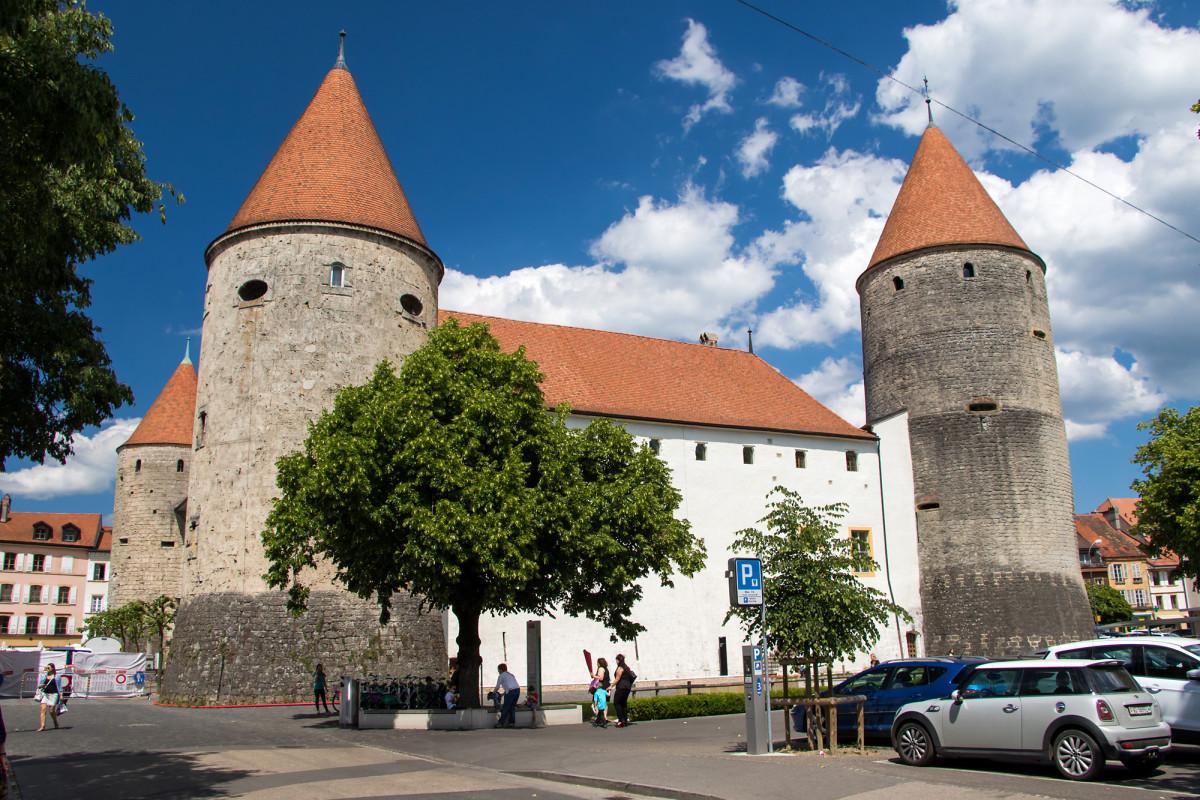 Schloss Yverdon; erbaut im 13. Jahrhundert für die savoyischen Feudalherren, später auch von den Bernischen Amtsmännern gerne benutzt - und schliesslich Wirkungsstätte von Pestalozzi