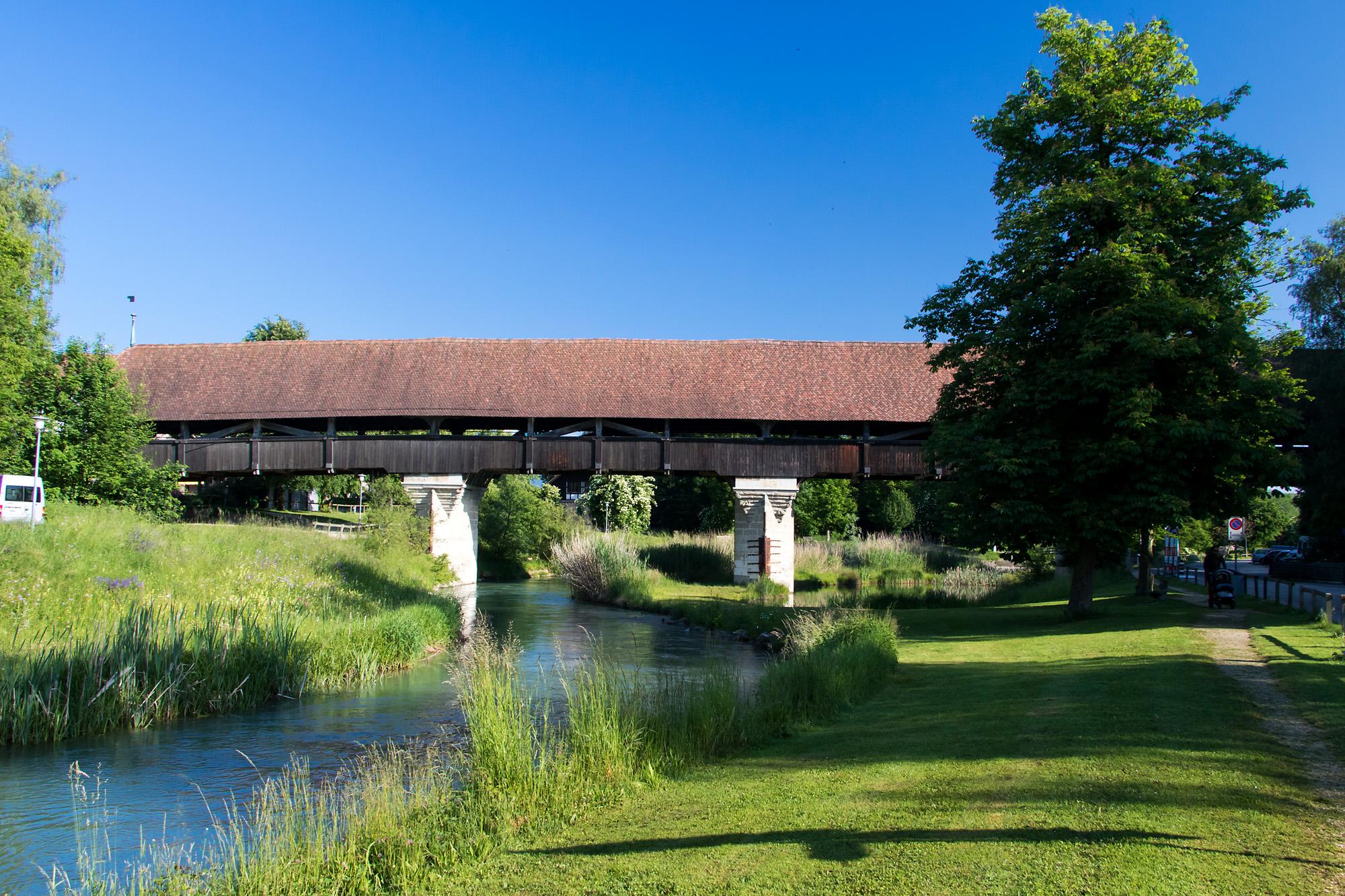Die 500 Jahre alte Holzbrücke von Aarberg, BE
