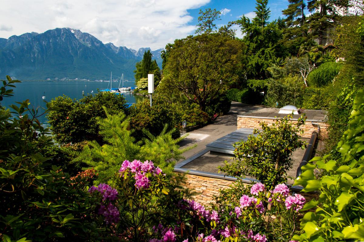 Montreux' fast schon tropische Uferpromenade