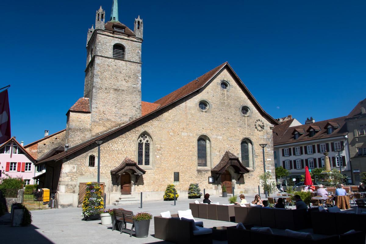 Die Kirche Sainte-Marie-Madeleine wurde im 11. Jahrhundert im Zentrum der Altstadt von Avenches errichtet; der Grossteil des heutigen Baus stammt jedoch aus dem frühen 18. Jahrhundert