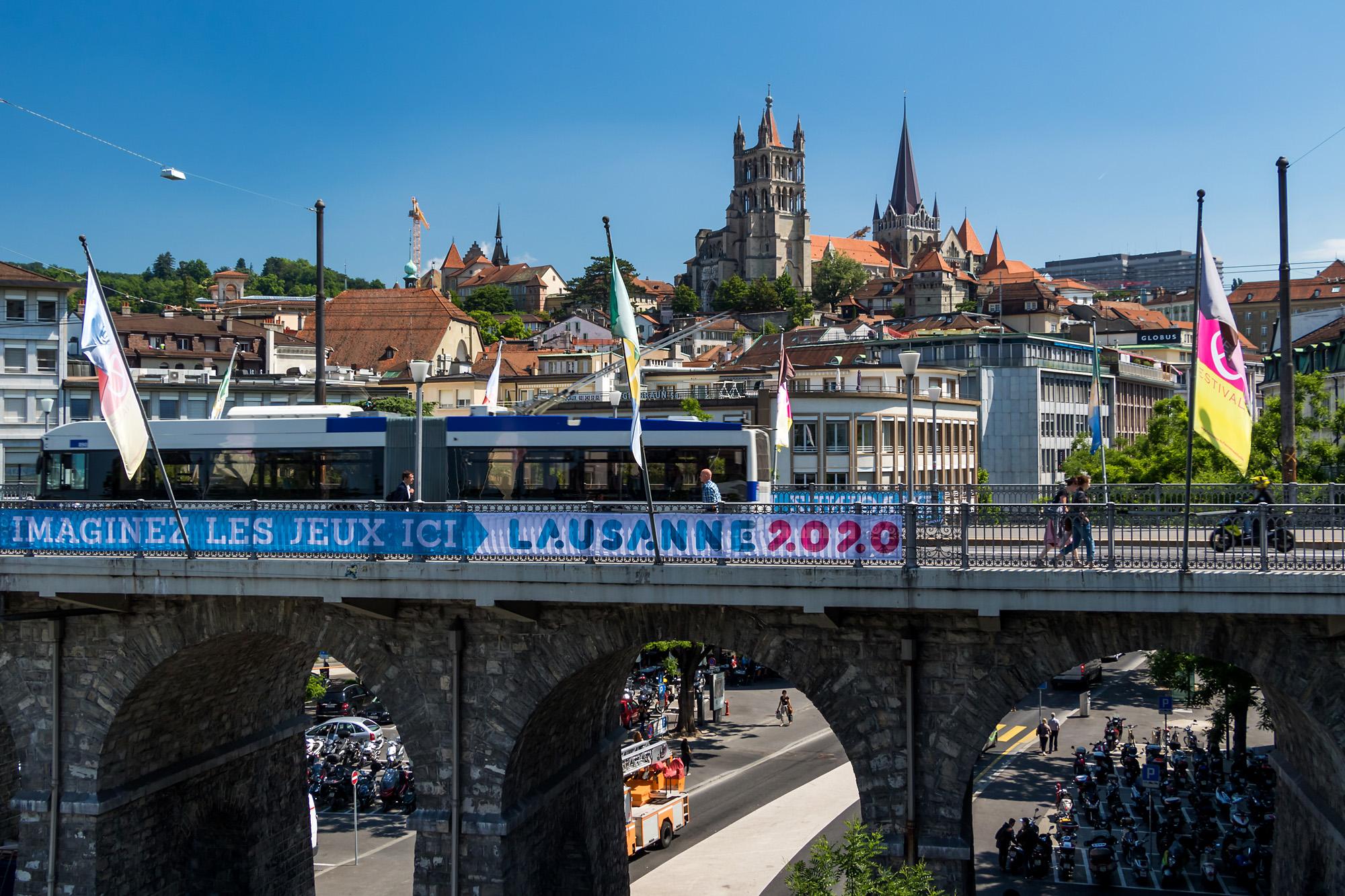 Blick über die Grand-Pont zurück zur Kathedrale