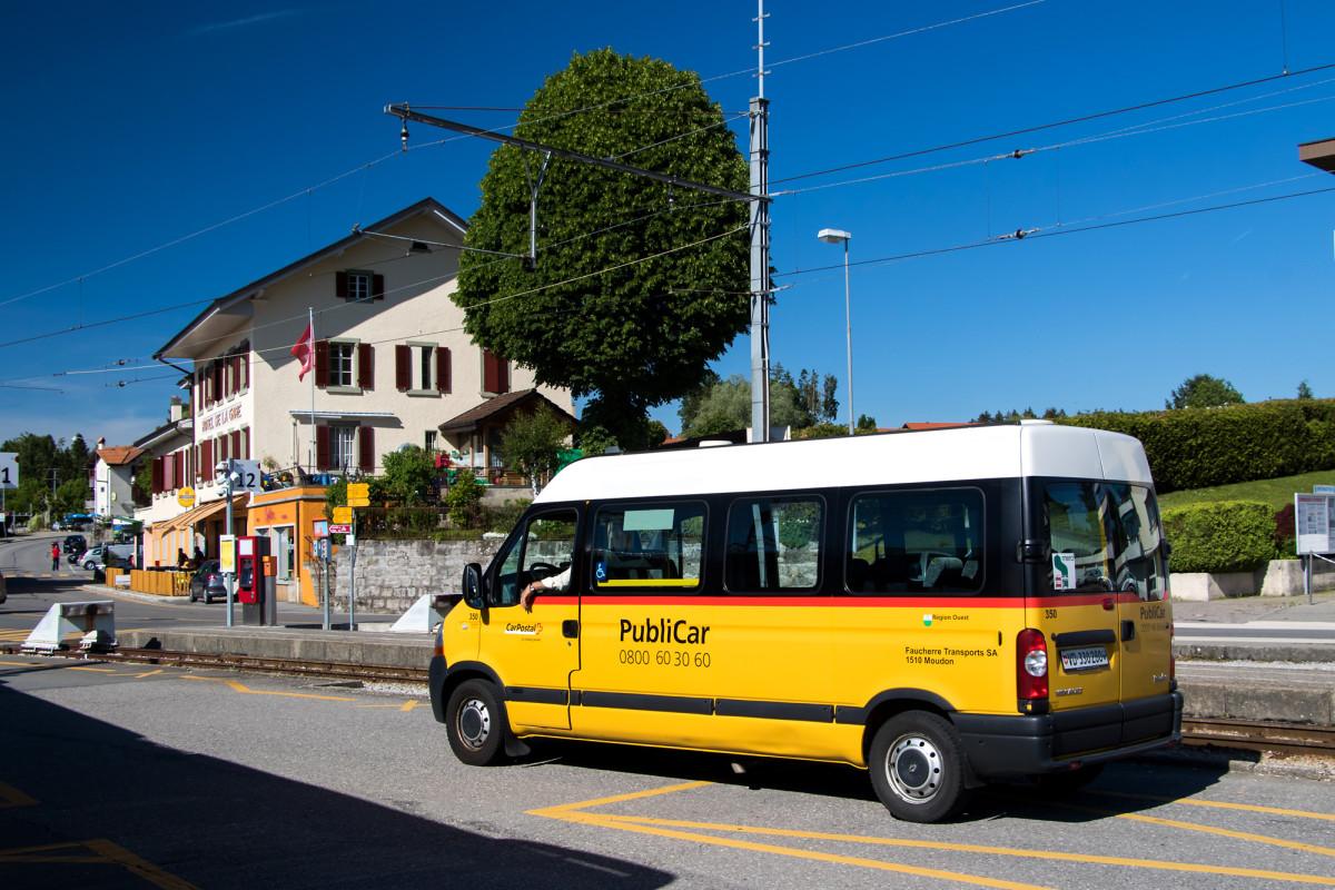 Der Minibus, der zweimal werktäglich von Palézieux nach Chexbres fährt