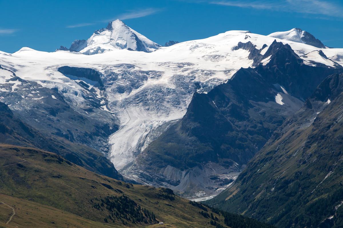 Blick auf die Dent d'Hérens (4'171m) und den Glacier de Ferpècle