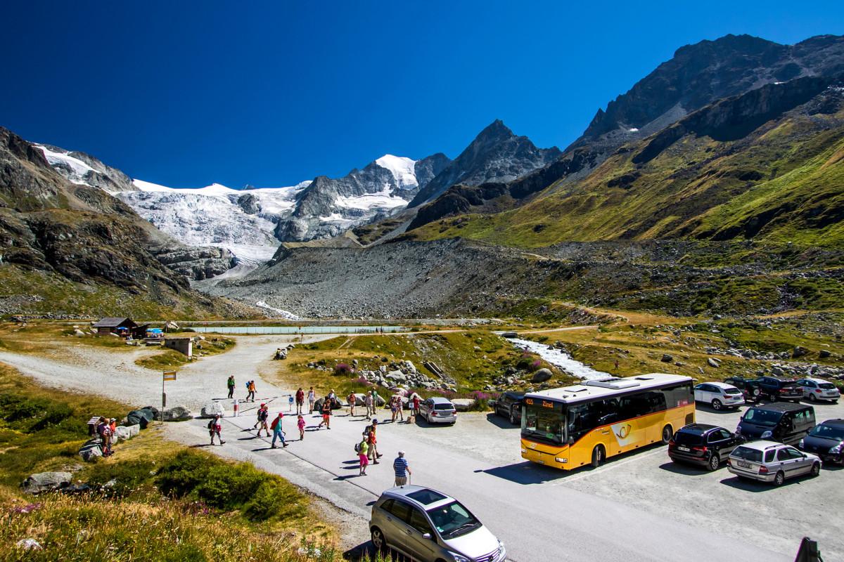 Kaum angekommen, schon bestürmt: Ein Irisbus Crossway am Moiry-Gletscher