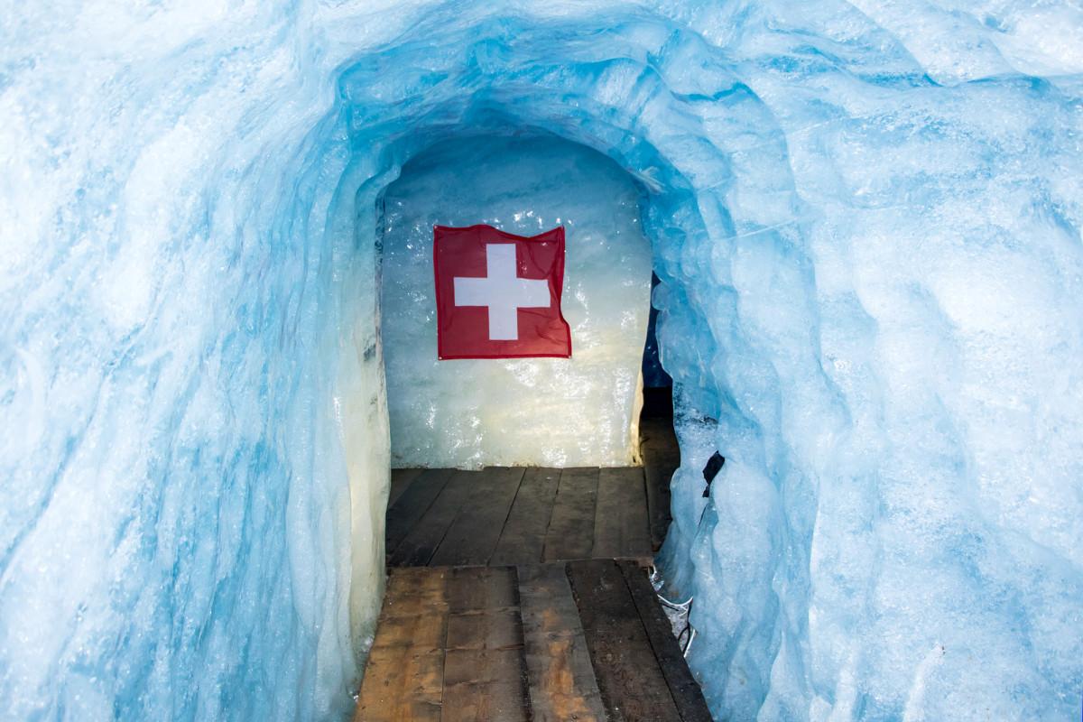 Etwas Pathos darf auch im ewigen Eis nicht fehlen :-)