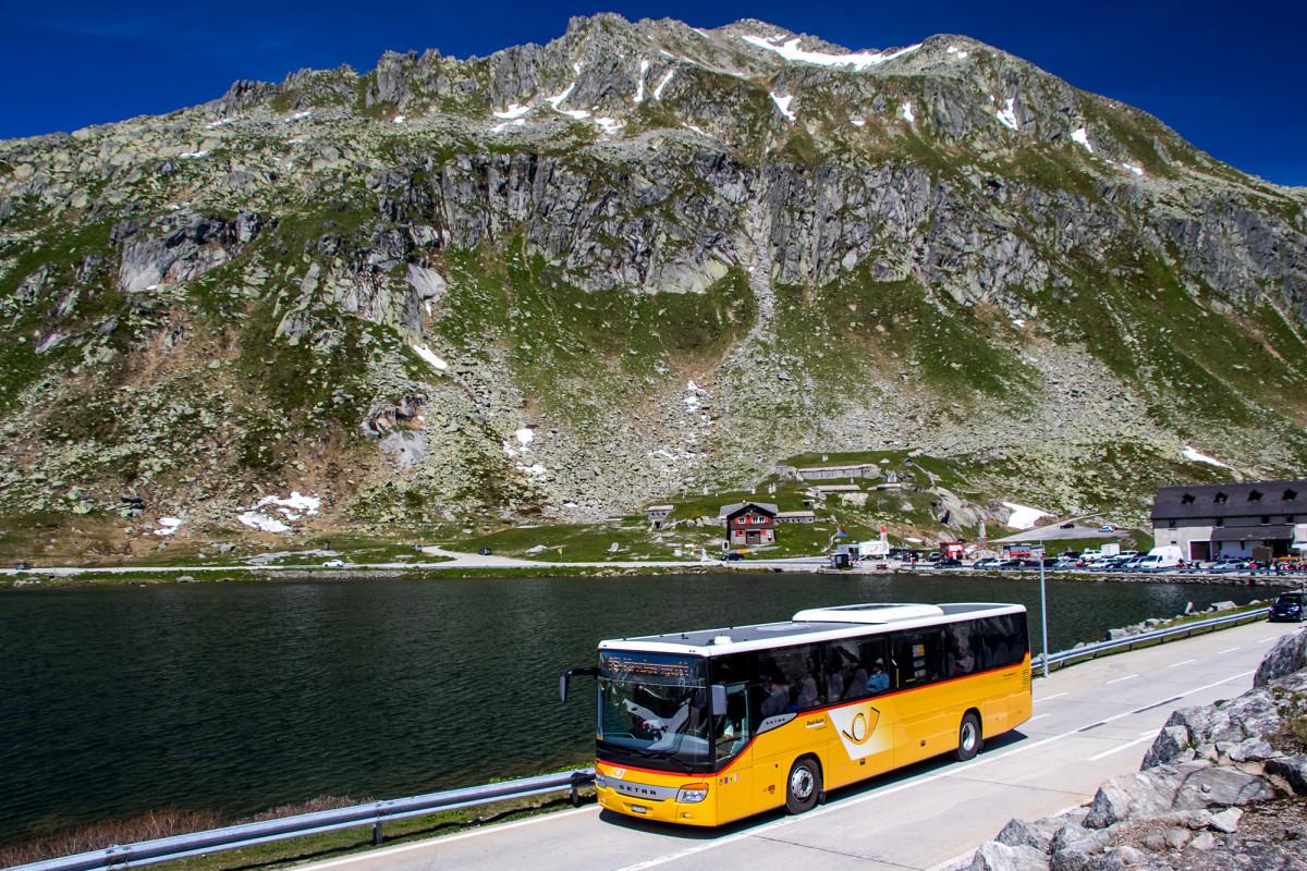 Abfahrt! Am Lago della Piazza vorbei beginnt die Talfahrt