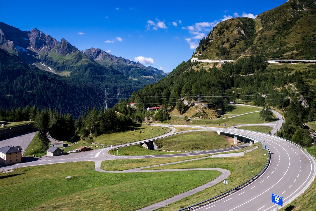 Fast schon eine Autobahn, hier auf der Tessiner Seite des Gotthards...