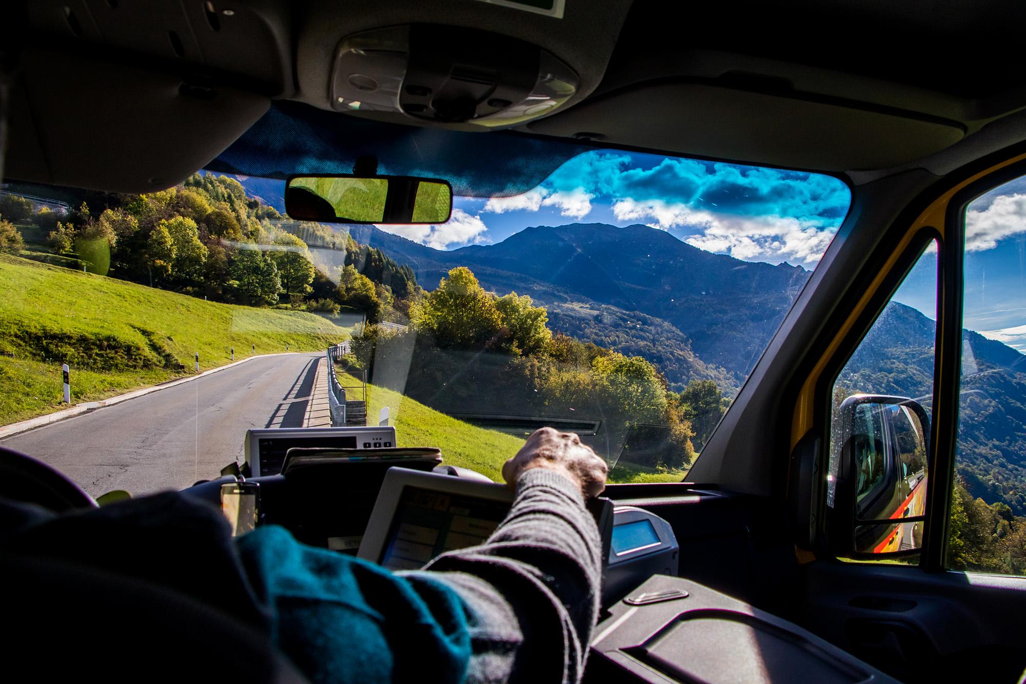 Gemütliche Bergfahrt nach Carì