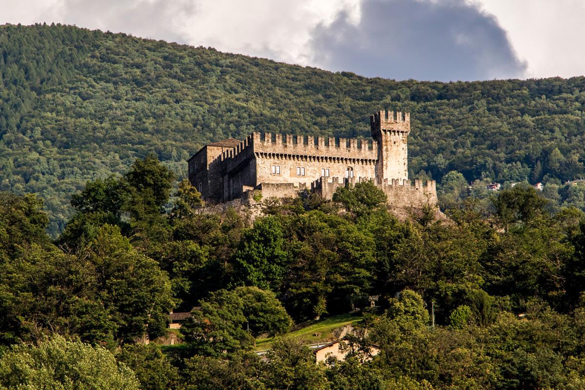 Bellinzonas dritte und kleinste Burg: Das Castello Sasso Corbaro