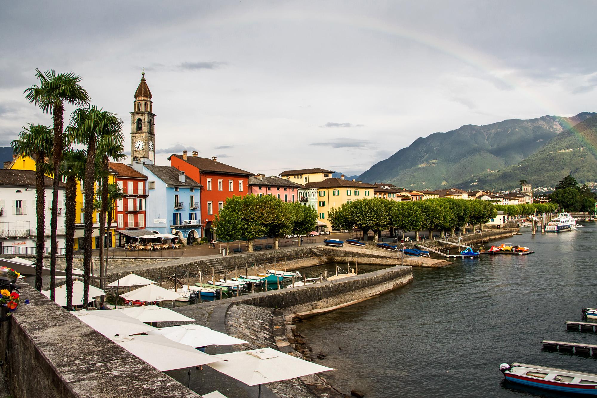 Was für ein Kontrast! Postkartenansicht von Ascona, nur am Wetter muss noch gearbeitet werden!