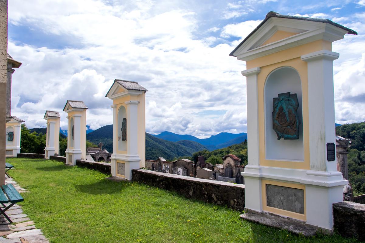 ...ihr Friedhof bietet für die letzte Ruhe eine formidable Aussicht!