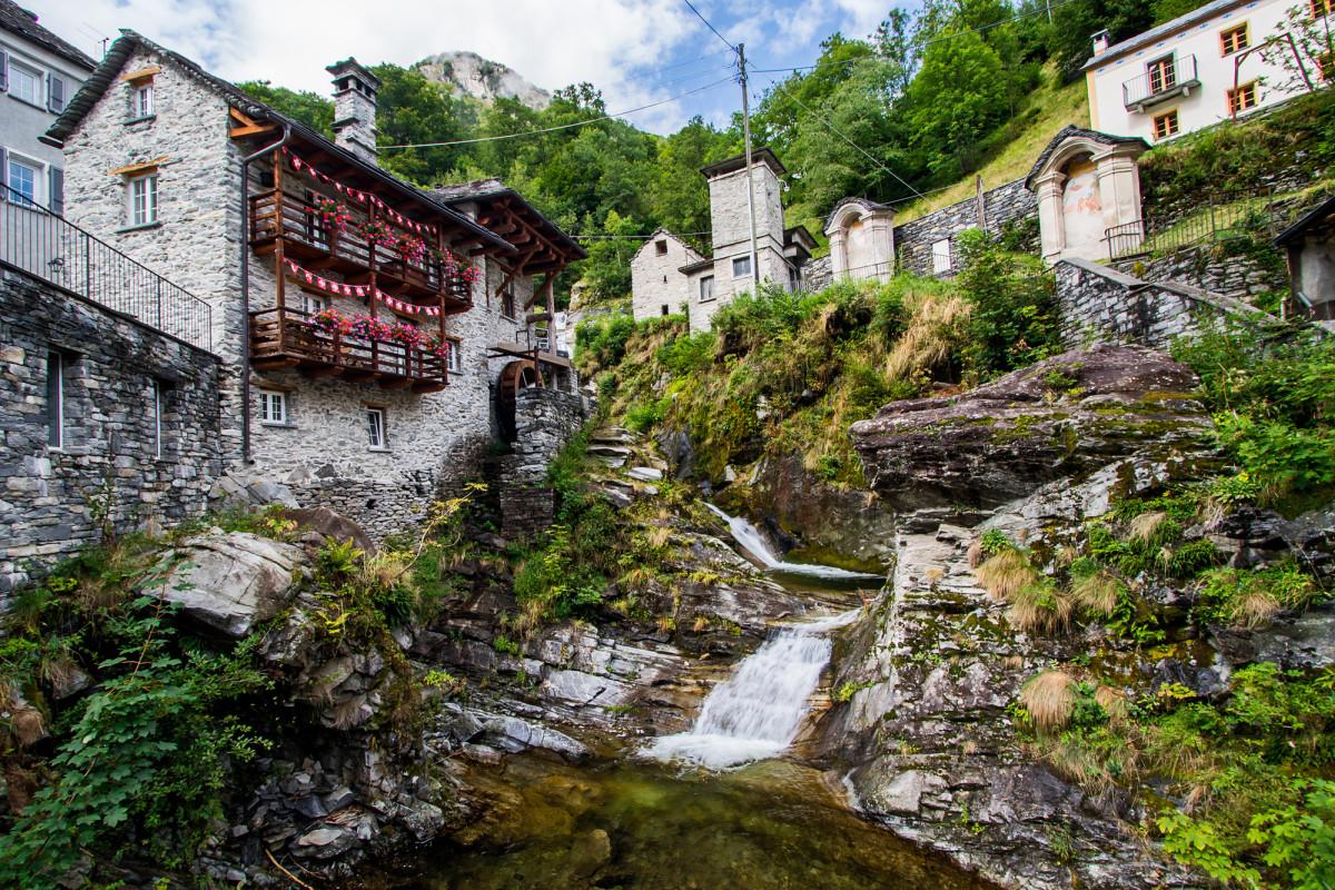 Eine der historischen Mühlen des Dorfes