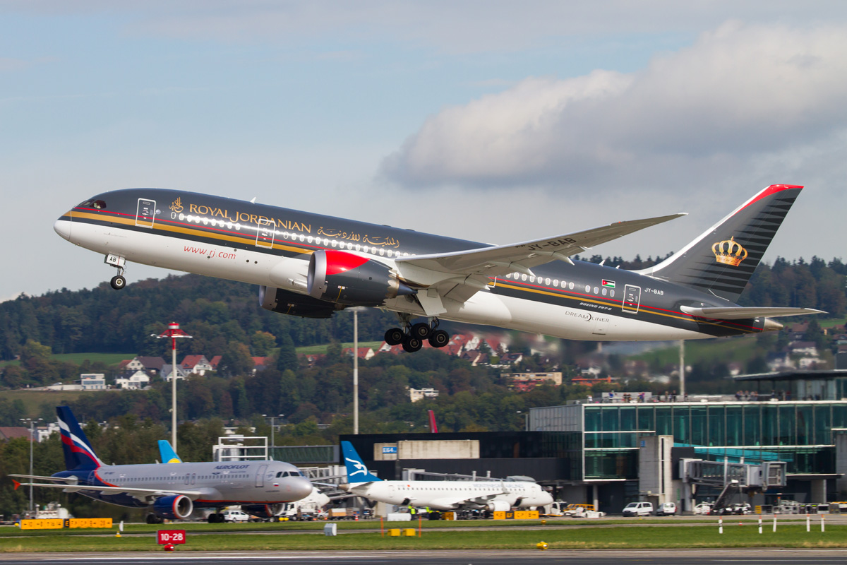 eccf73e580b0d Royal double  Royal Jordanian s new Queen of the Fleet touches down in  Zurich  a look behind the scenes.
